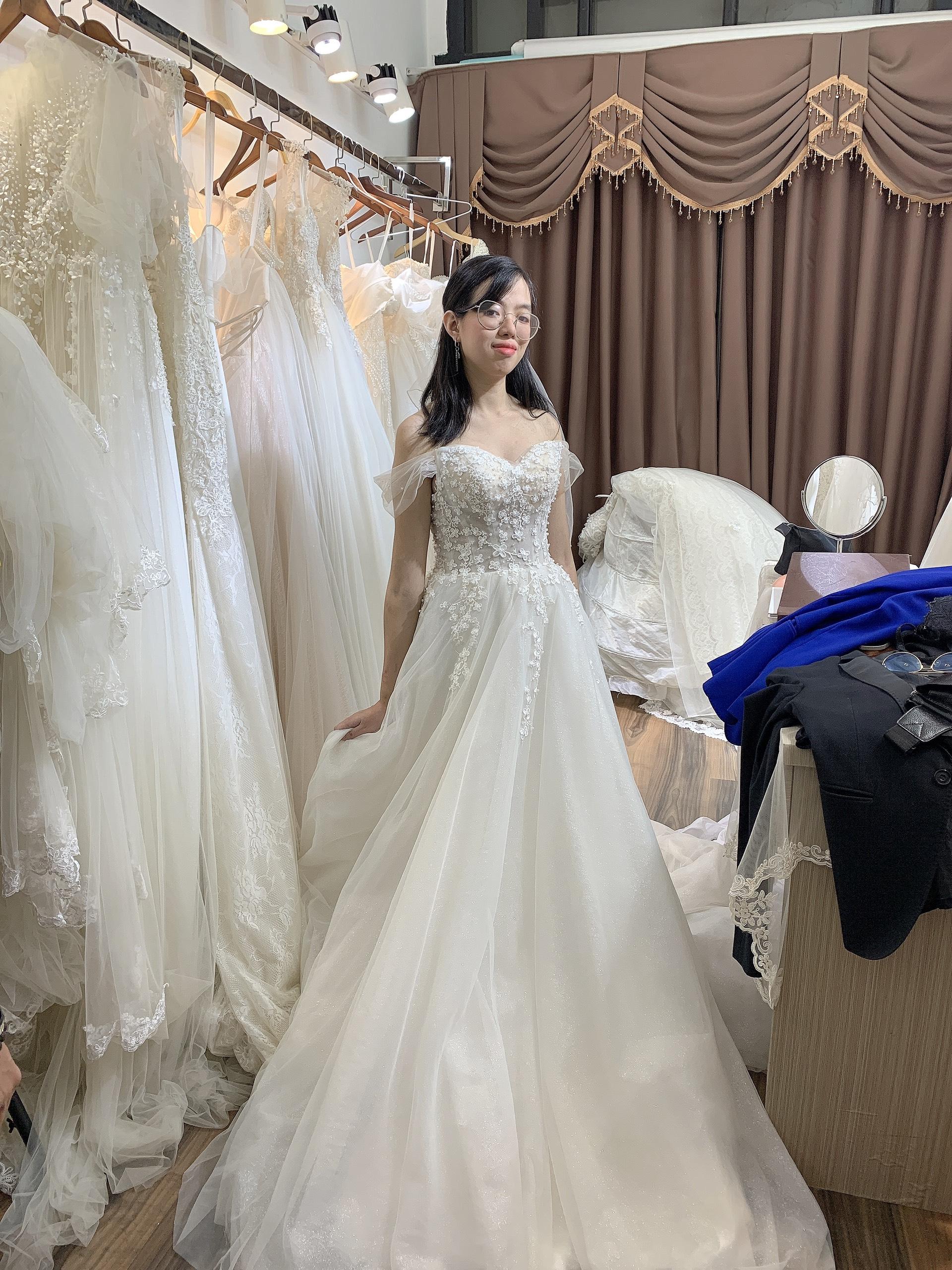 cho thuê váy mặc ngày cưới