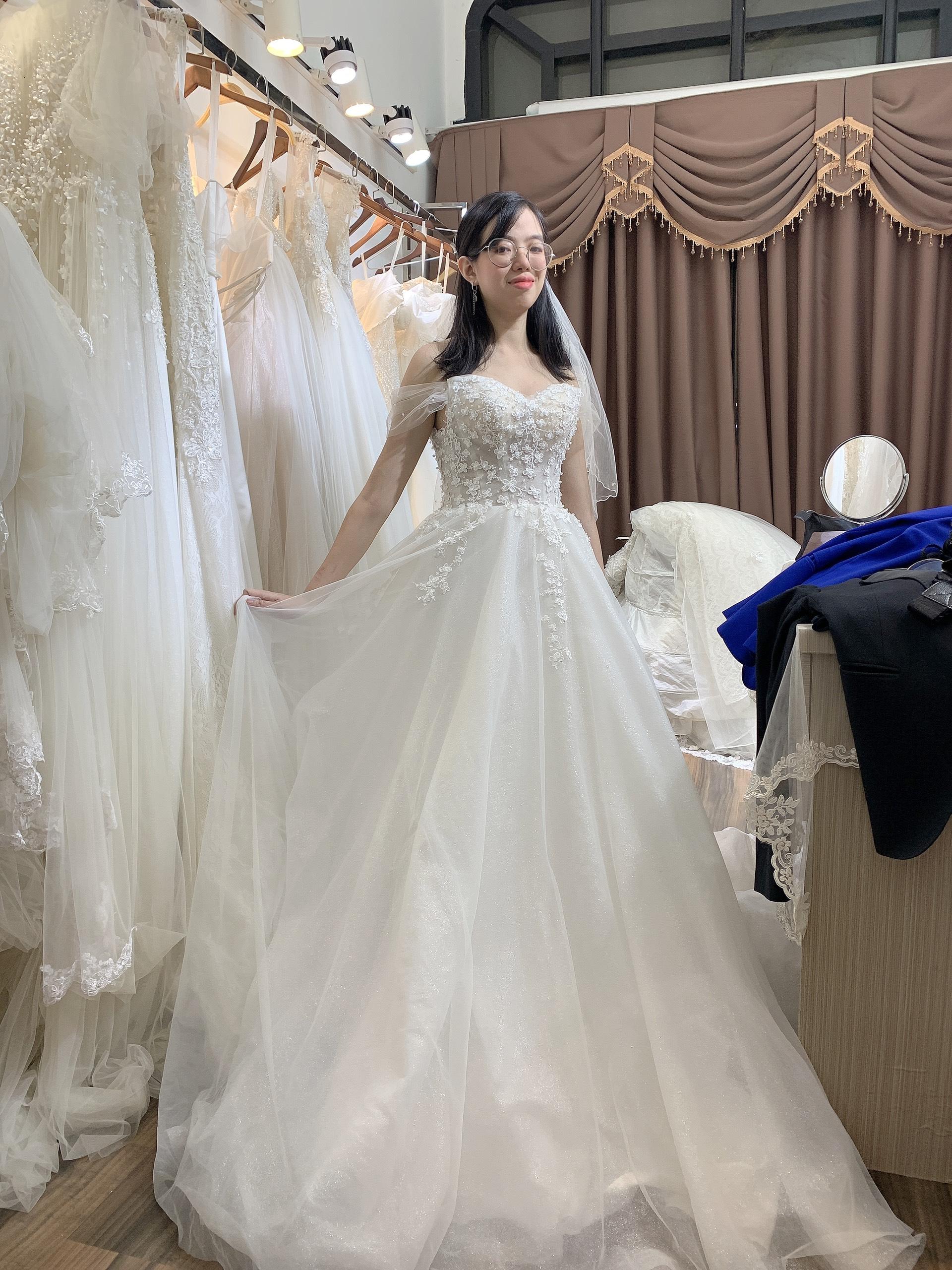 thuê váy cưới hà nội