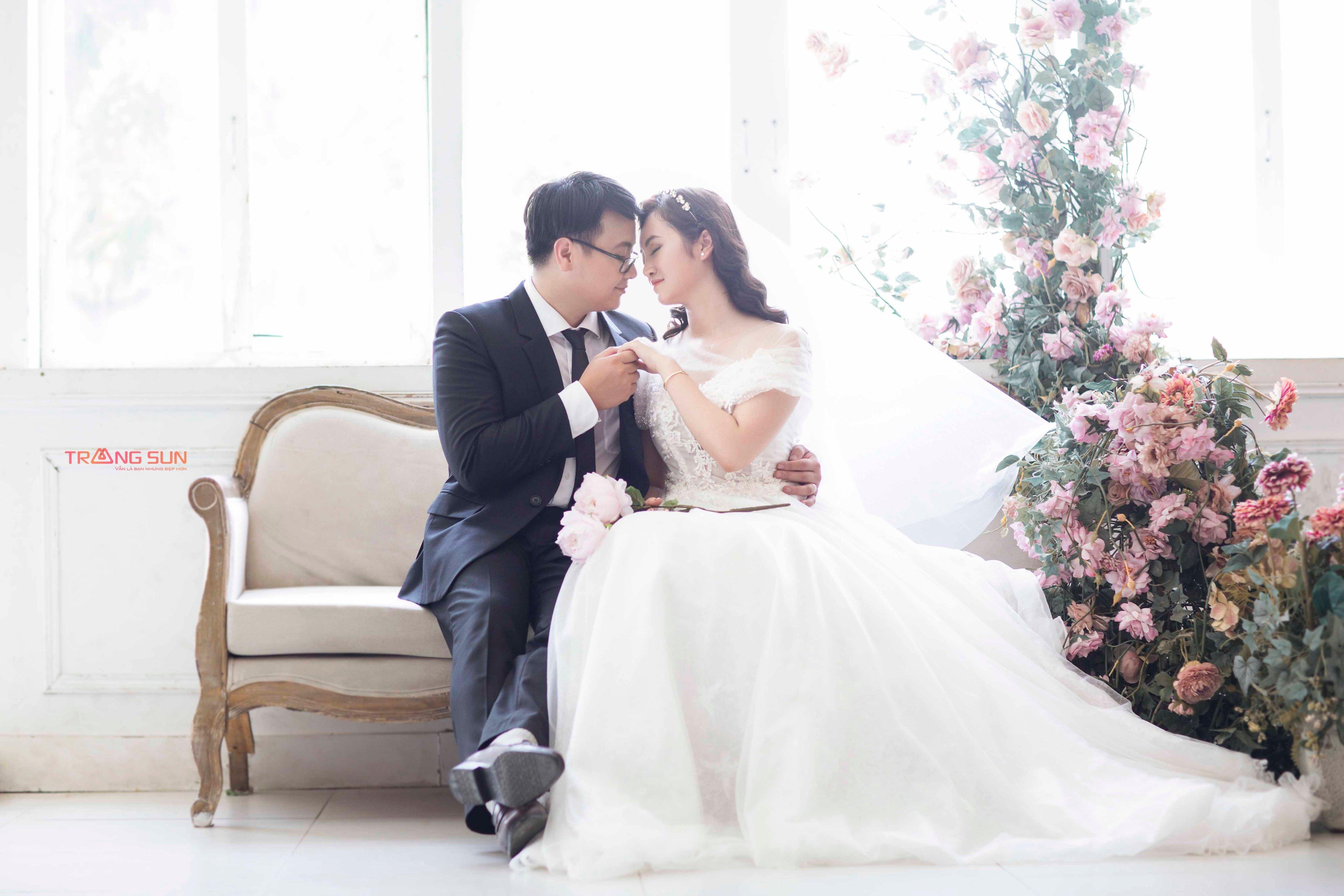 Chụp ảnh cưới ở santorini park Hà Nội