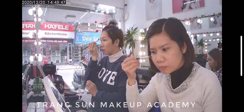 Giá học makeup cá nhân bao nhiêu