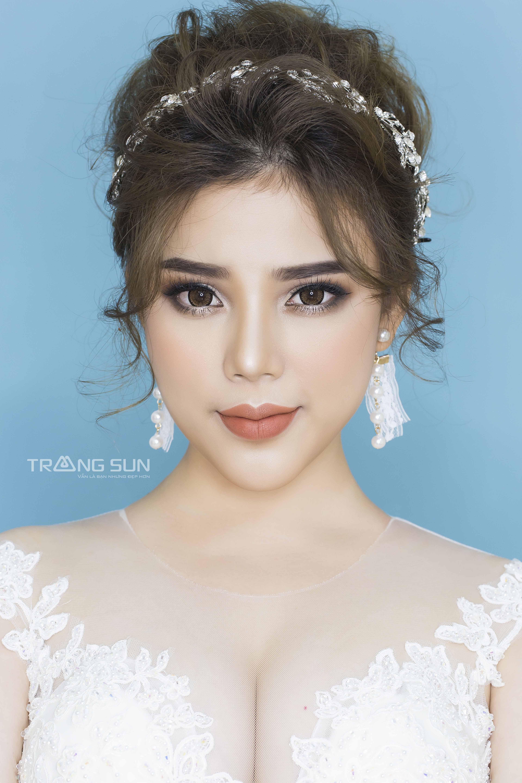 Trang điểm cô dâu đẹp nhất 2021