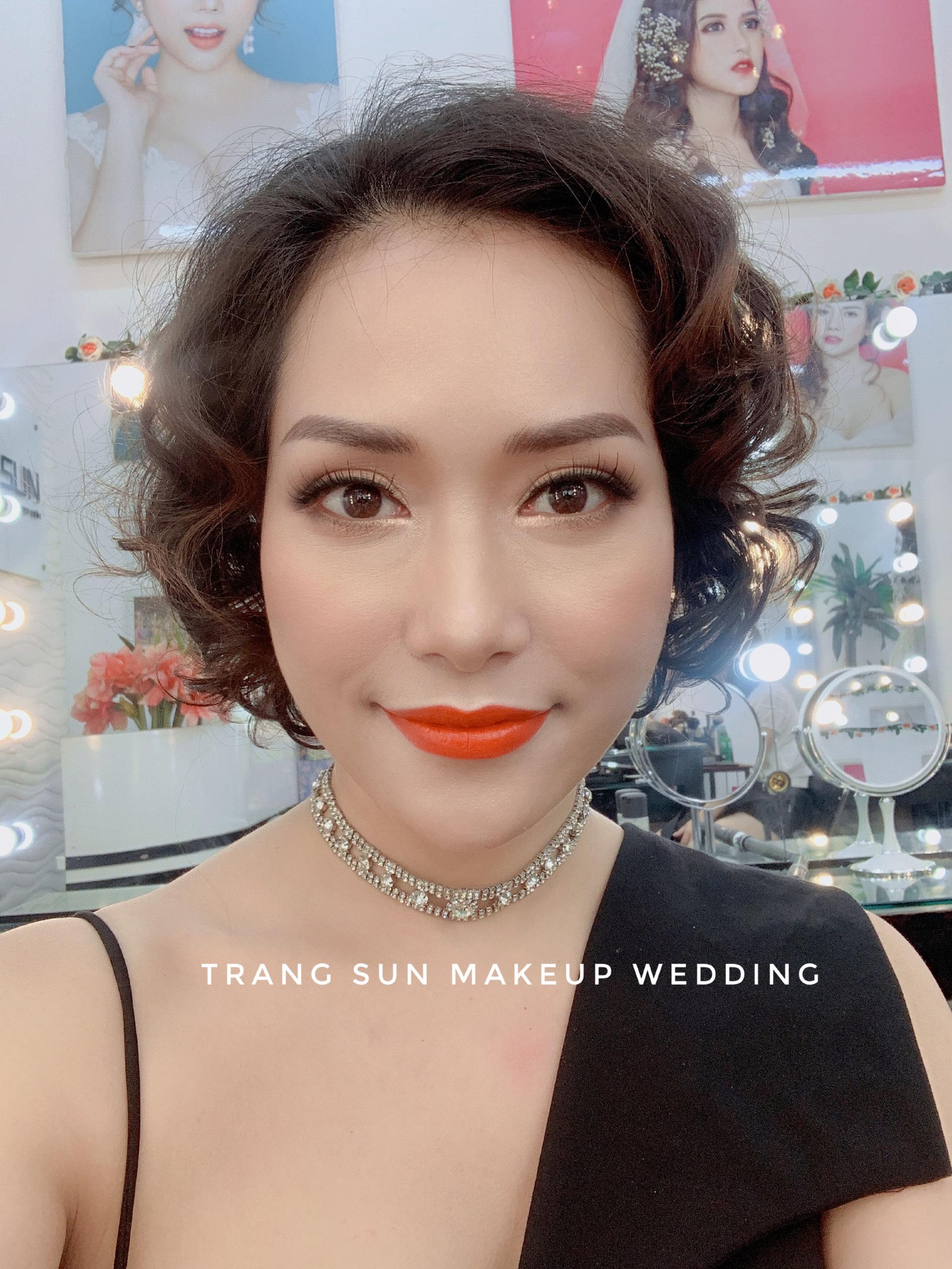 dịch vụ trang điểm tiệc cưới